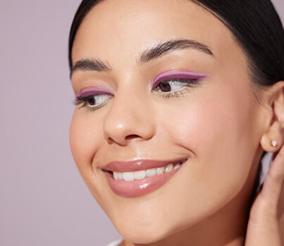 Watch: 3 looks that will make you reconsider coloured eyeliner