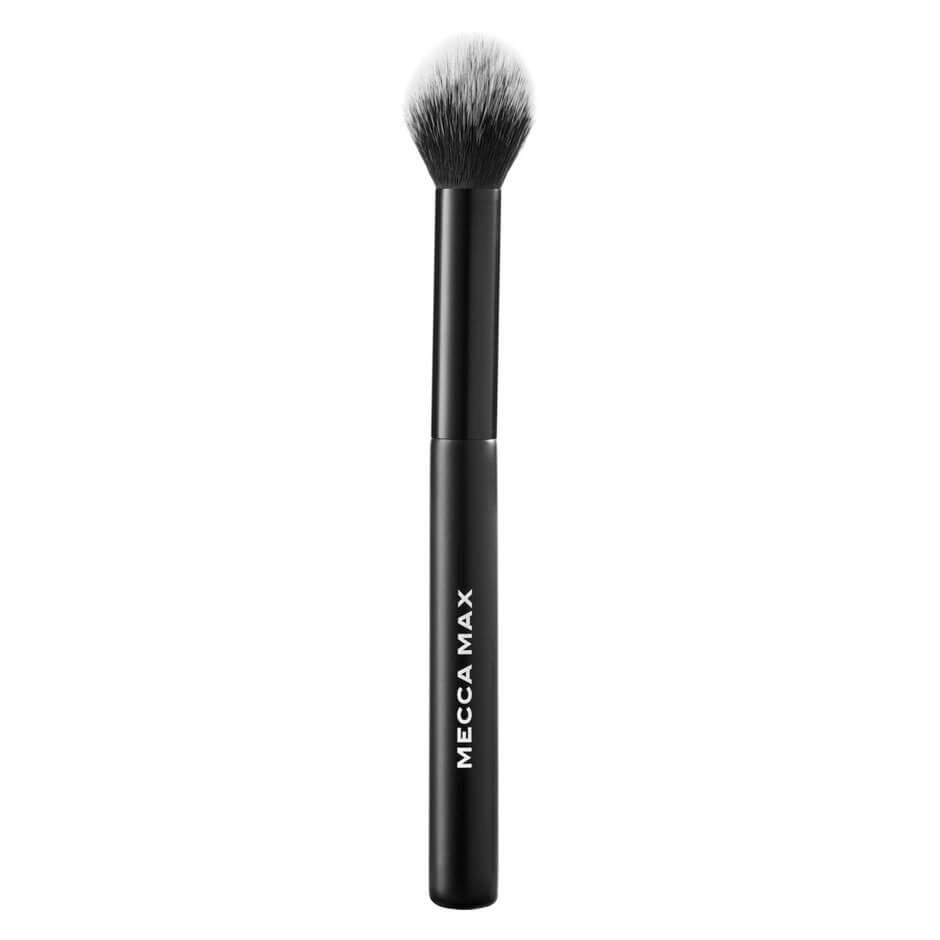 MECCA MAX - Highlight Hitter Brush