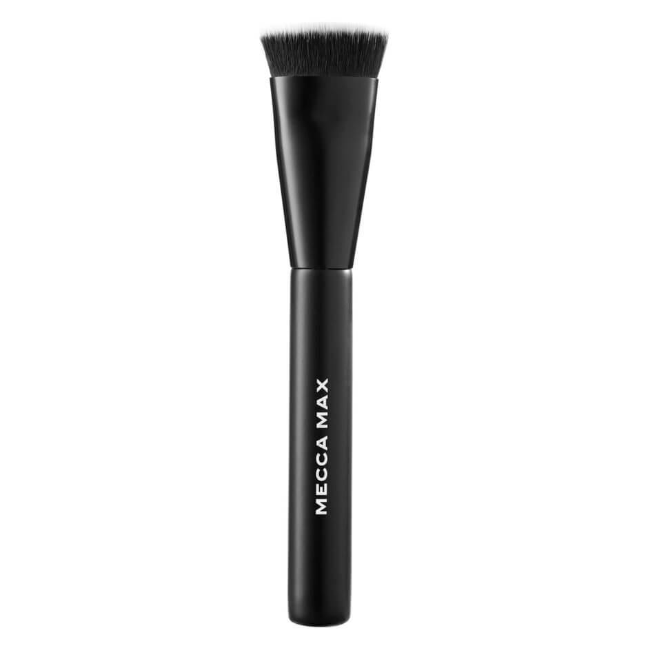 MECCA MAX - Cheek Chiseler Brush