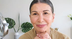 Watch a glowy and golden look for all ages with Violet Ballato on MECCA TV